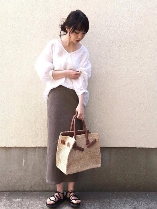 大人女性におすすめ♡着回ししやすいユニクロタイトスカートコーデの6枚目の画像