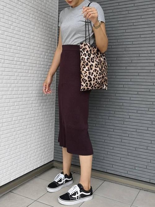 大人女性におすすめ♡着回ししやすいユニクロタイトスカートコーデの11枚目の画像