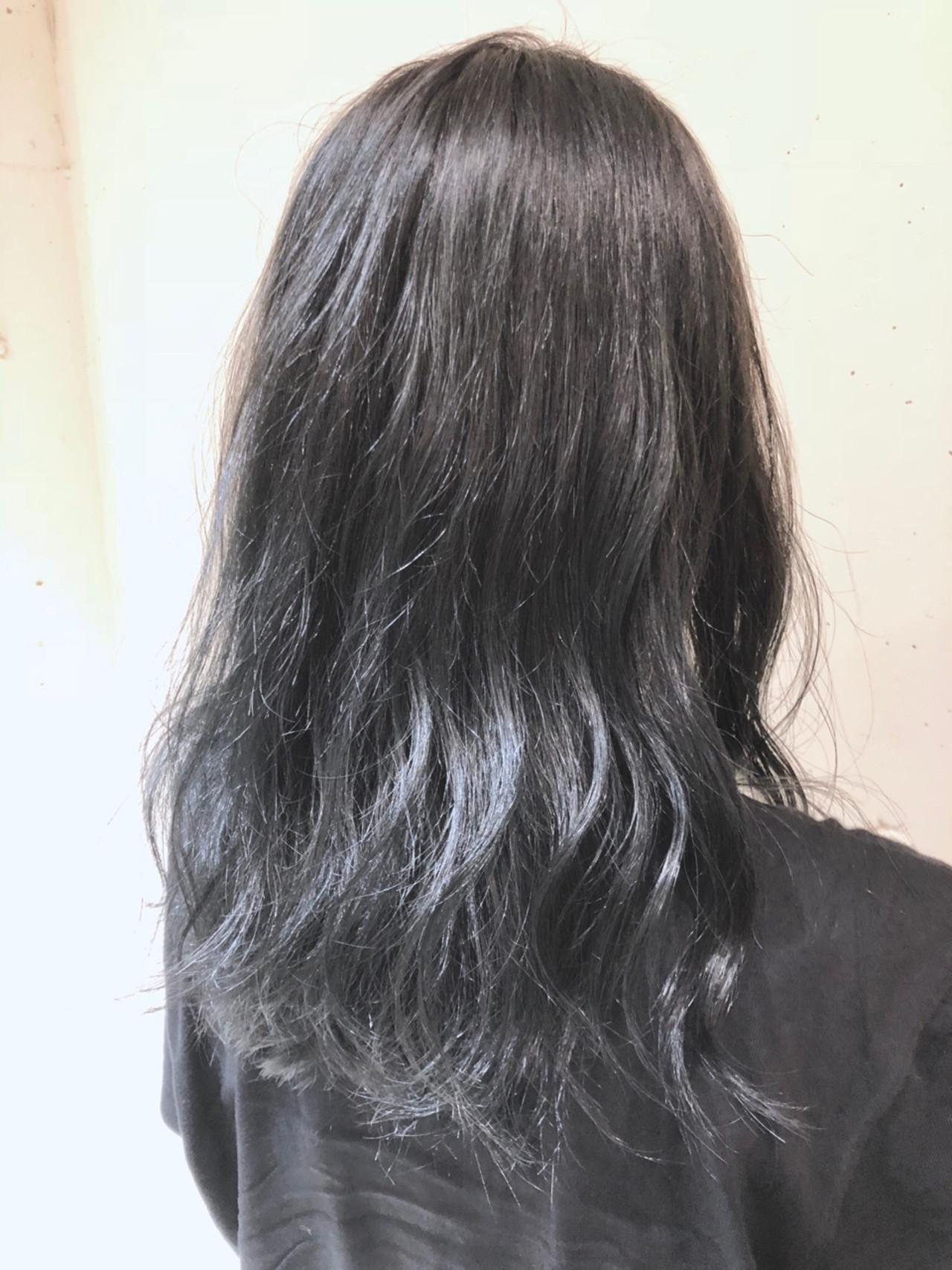 次のヘアカラーは、ブルーブラックへシフト!透明感を手に入れよう♡の16枚目の画像