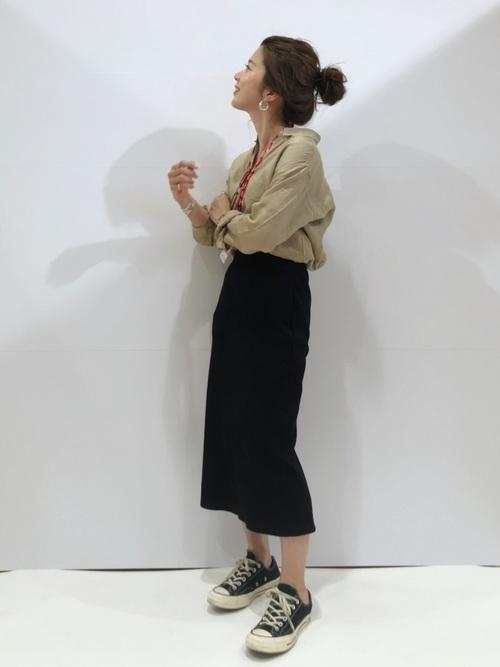 大人女性におすすめ♡着回ししやすいユニクロタイトスカートコーデの2枚目の画像