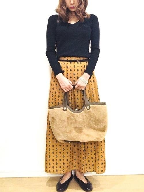 からし色は秋冬~春のトレンドカラー♡おすすめ黄色コーデ30選!の21枚目の画像