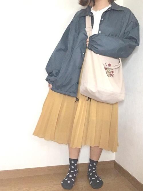 からし色は秋冬~春のトレンドカラー♡おすすめ黄色コーデ30選!の22枚目の画像