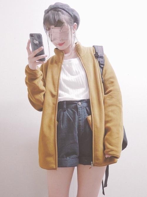 からし色は秋冬~春のトレンドカラー♡おすすめ黄色コーデ30選!の25枚目の画像
