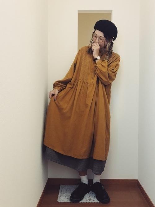 からし色は秋冬~春のトレンドカラー♡おすすめ黄色コーデ30選!の28枚目の画像