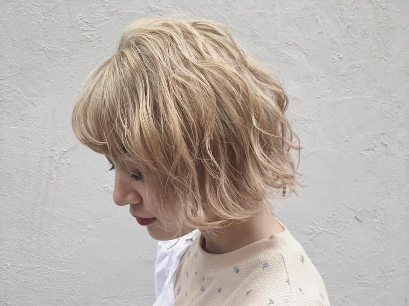 金髪にはどんな種類があるの それぞれの特徴とおすすめのアレンジ