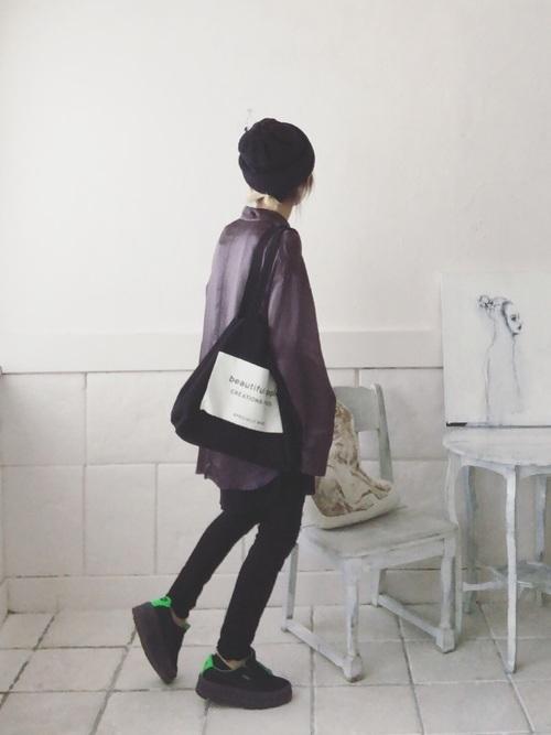 黒スキニーコーデで夏を満喫。ファッションをすっきりまとめての3枚目の画像