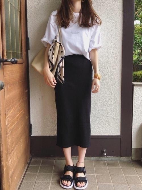 スカートコーデで夏を女性らしく過ごそう。丈別コーデを紹介しますの2枚目の画像