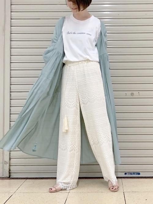 やっぱりロゴTシャツコーデが好き。ボトムス別おしゃれコーデ集の5枚目の画像