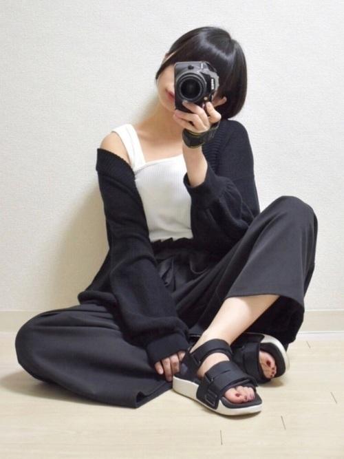 秋のおしゃれなサンダルコーデ。履いてよい時期はいつまで?の3枚目の画像