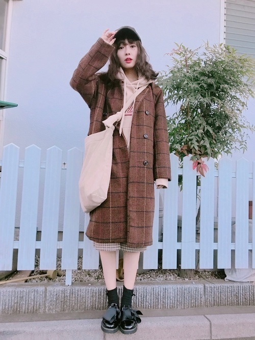 茶色コートのおしゃれコーデに挑戦しよう。おすすめブランドも紹介の3枚目の画像
