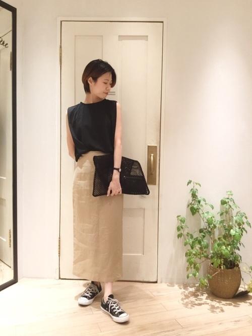 タイトスカートで冬コーデをおしゃれに。注目されるスタイルをご紹介の1枚目の画像