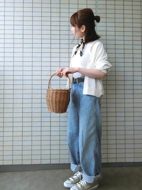 ツイリースカーフって知ってる?かわいい巻き方やコーデを徹底解説の2枚目の画像