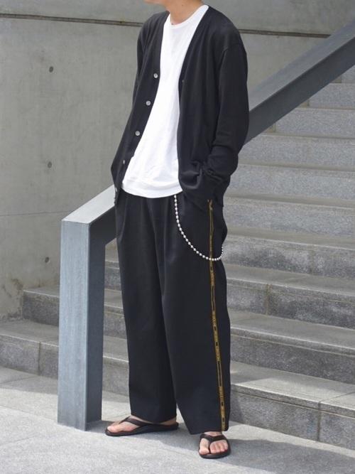 2020春夏秋冬《カーディガン》で洗練された大人メンズコーデ8選の1枚目の画像
