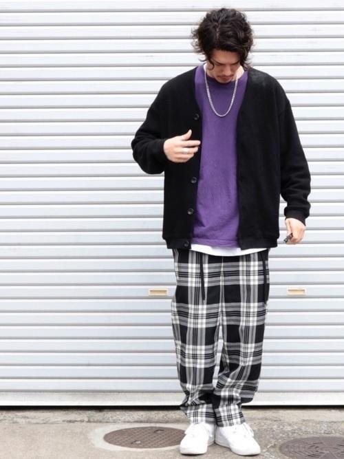 カーディガンで洗練されたメンズの着こなしを。大人コーデ8例の8枚目の画像