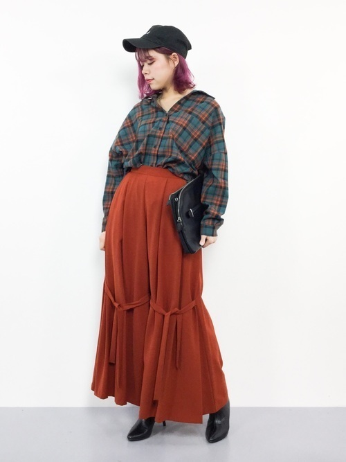 大人女子のネルシャツはこのブランドで選ぶ。コーデ例も紹介の1枚目の画像