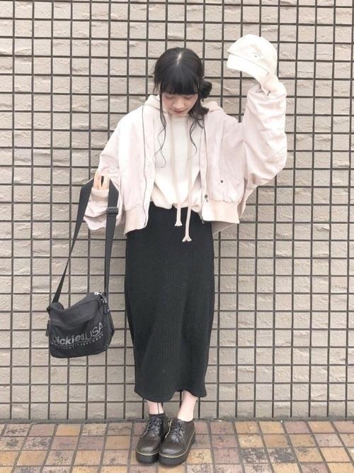 今が旬!GUの《タイトスカート》で着回し上手のモテコーデ♡の4枚目の画像