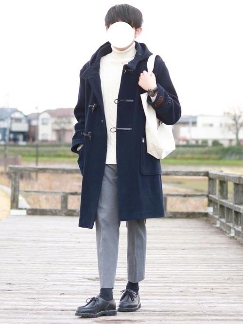 紳士風にキメる!【ネイビーダッフルコート】のメンズコーデ