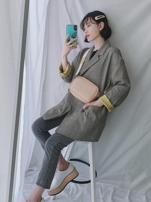 どう着こなす?グレンチェックジャケットでレディースコーデ20選の11枚目の画像
