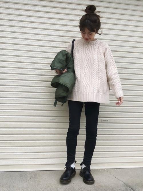 冬の【黒スキニーコーデ】ファッションをテイスト別にポイントを紹介