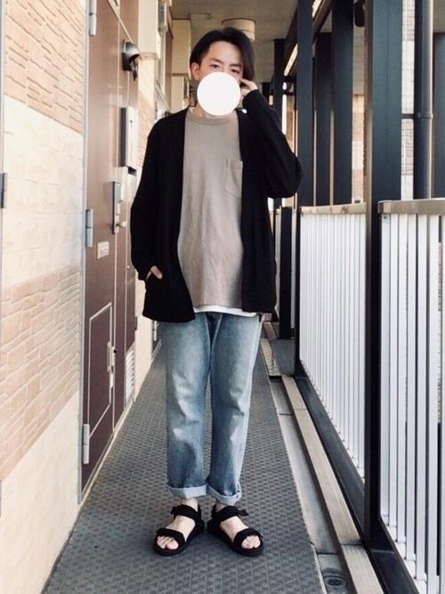 世のメンズ必見《黒カーディガン》でつくる大人コーデ25選の7枚目の画像
