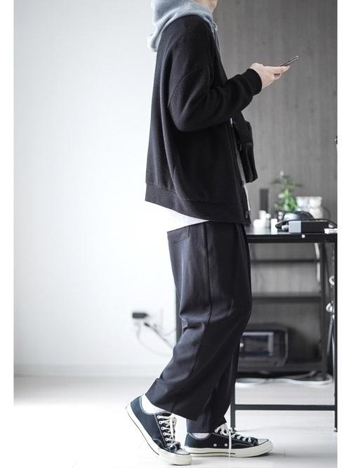 世のメンズ必見《黒カーディガン》でつくる大人コーデ25選の10枚目の画像