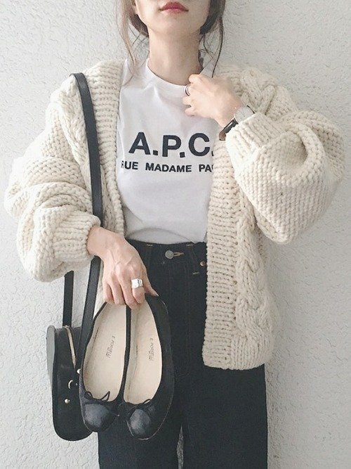 人気沸騰中のA.P.C.Tシャツ♡レディースTシャツコーデ16選