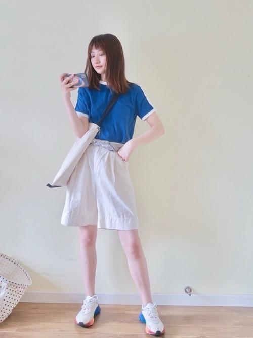 青Tシャツに首ったけ♡夏を乗り切るさわやかコーデをご紹介の3枚目の画像