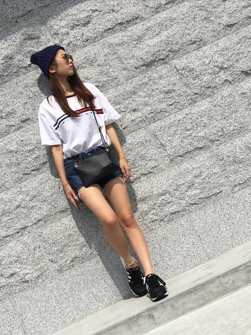 主役級Tシャツで夏映え♡アカ抜けTシャツコーデ9選の13枚目の画像
