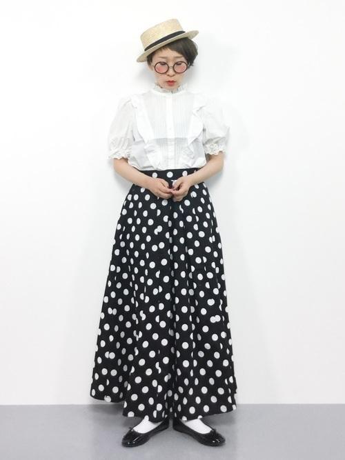【世代別】コーデの幅広げよう♡ドットスカート着こなし9選の7枚目の画像