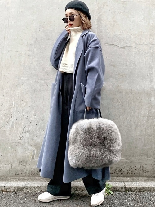 今年の冬はこのカラーでキメる♡注目のアイスブルーコートコーデ特集