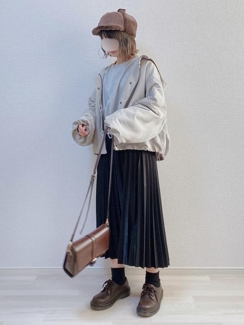 【保存版】長さ別!黒のプリーツスカート着まわしコーデ26選♡の20枚目の画像