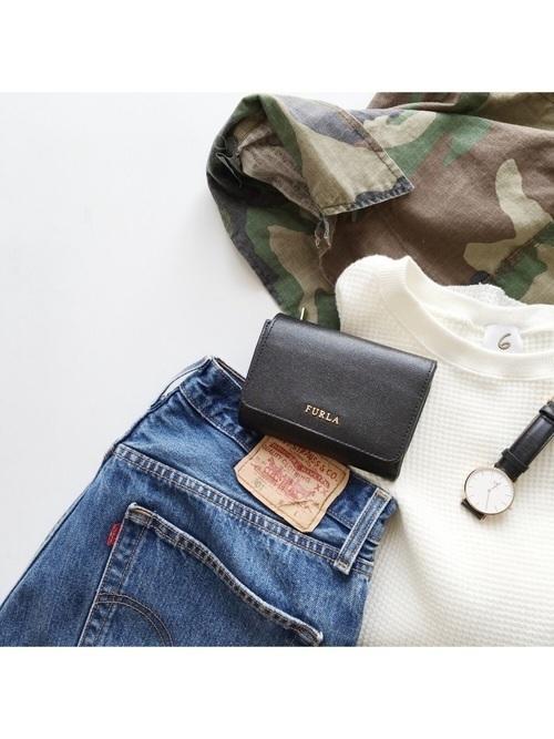 【ブランド別】可愛いレディース二つ折り財布12選。プレゼントにも