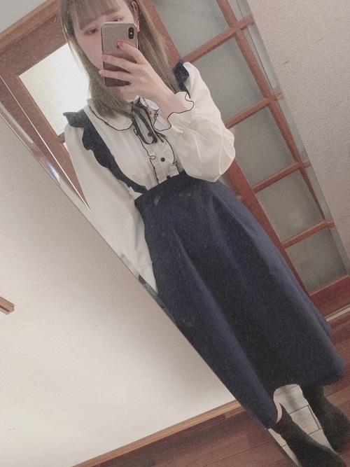 【春夏秋冬】レディースのサスペンダースカート大人コーデ集!の7枚目の画像