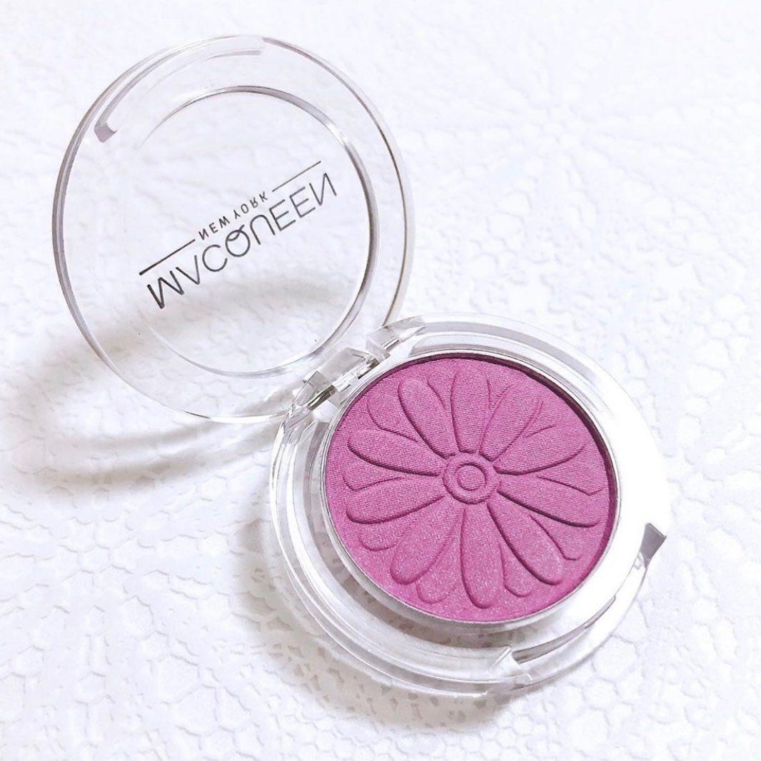 ・ チークといえばピンク系?  夏にぴったりなのは実は紫なんです💕 紫のチークは透明感を演出してくれる優れもの。  スワイプしてチェックしてみてくださいね!  気になる商品はこちら! 🎐CLINIQUE CHEEK POP 15 パンジーポップ 🎐MACQUEEN NEWYORK DAISY POP BLUSHER 04 Lavender 🎐CANMAKE パウダーチークス PW39 スミレパープル 🎐shu uemura グローオン Mモーヴ225   素敵なお写真をくださったのは、  ▪️@5star_pink さん ▪️@umezawa.make さん   ありがとうございました✨  ---------------------------------------------------- ARINEでは「毎日に、憧れを。」をテーマに お写真を募集しています .  コスメに関する写真は【 #arine_cosme 】のタグをつけて投稿してください。   ※お写真を掲載する際は必ず事前にご連絡いたします。   #夏 #夏ケア #夏メイク #コスメ #チーク  #summer #7月 #july #ポイントメイク #メイク #透明感メイク  #透明感 #透明感チーク  #紫チーク #パープルチーク  #拡散希望 #クリニーク #キャンメイク #マックイーン #シュウウエムラ