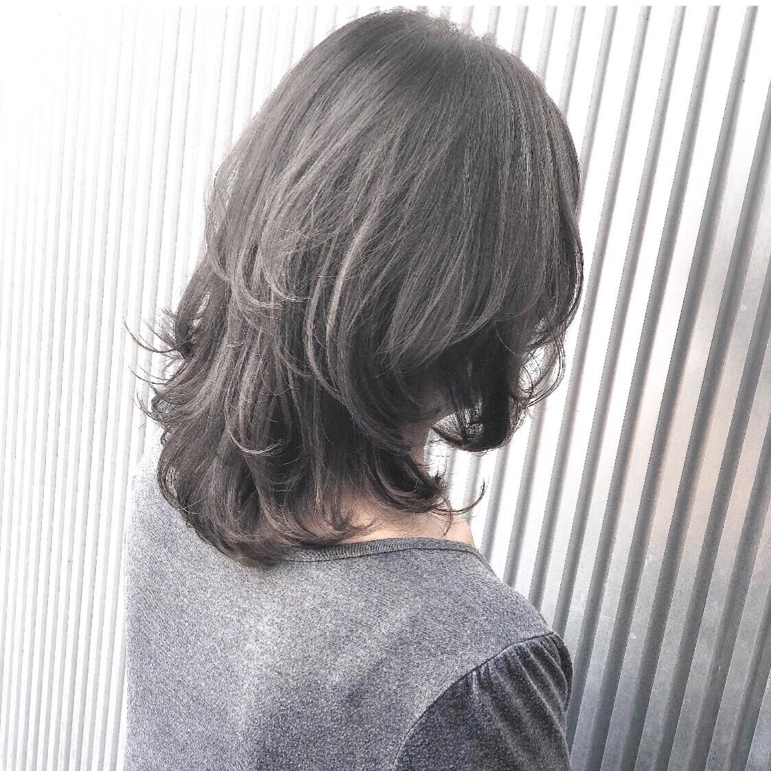 伸びてきたけど何かしっくり 来ない、、、。 レイヤーを入れたら解決出来るかも! ボブから伸びてきた方には特に 効果的だと思います(^^)  #前髪 #グレージュ #透明感 #アッシュ #ナチュラル #カジュアル #ストリート #ガーリー #キュート #オフィス #丸顔 #シースルーバング #カラー上手い #ゼロアルカリストレート #髪質改善 #ストレートパーマ #アッシュ  #アディクシーカラー  #イルミナカラー