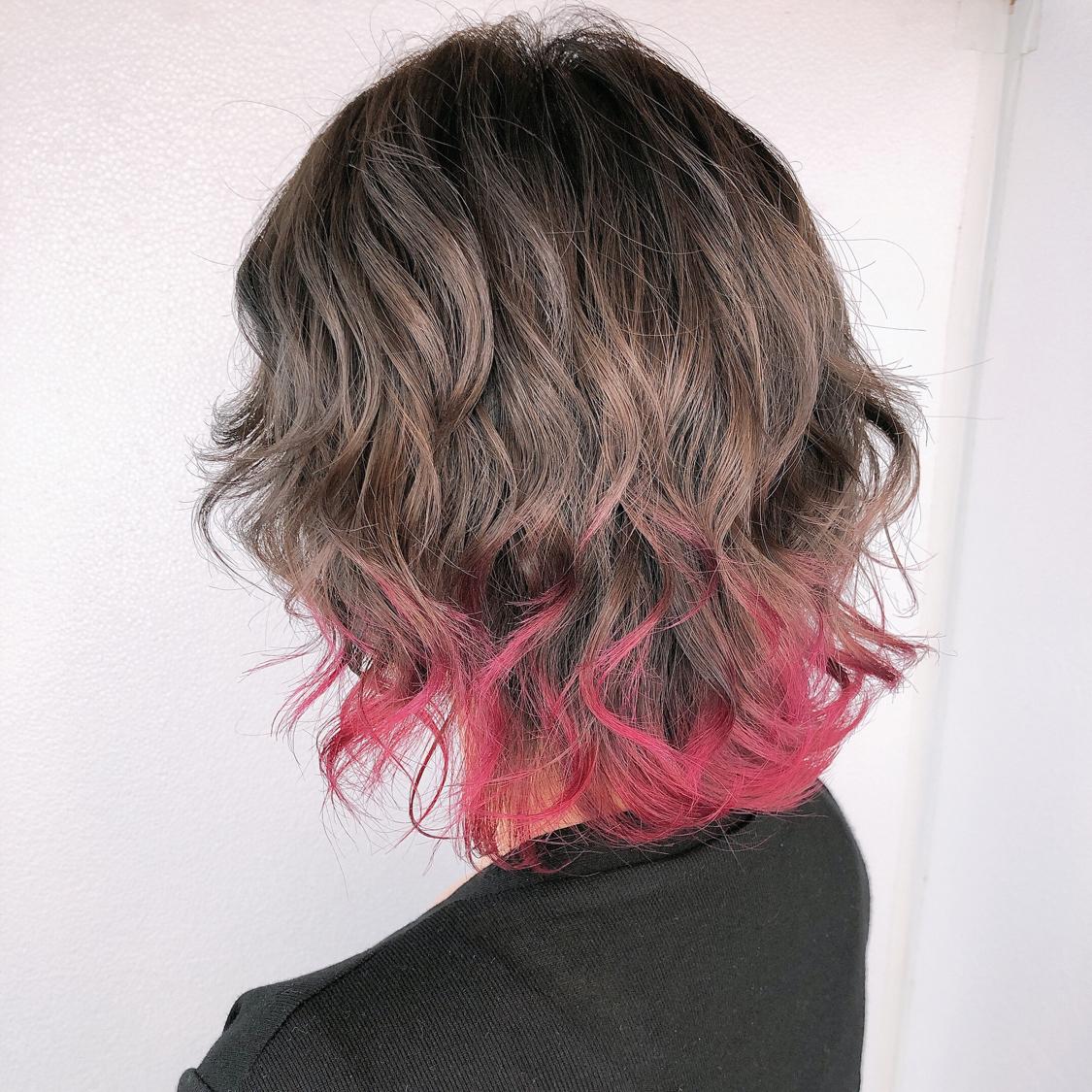 【ココアブラウンcolor】  ハイライト履歴あり!  全体ブリーチだと髪へのダメージが心配で、色落ちの金髪も気になる方が多いと思います。 でも透明感欲しくて、綺麗な色やしたい色はブリーチ使用してる事が多いので、今回はハイライトを全体に入れて理想的な透明感あるアッシュグレージュを実現!  一度ハイライト入れてたら 毎回ハイライトしなくても履歴あればワンカラーで何度か楽しめるのでオススメです^ ^  N.ポリッシュオイルで完成!  #岡山美容室#岡山美容師#サロンモデル#サロンスタイル#美人 #外国人風グラデーションカラー#hair#オシャレ#波ウェーブ#hairstyle#haircolor#3dカラー#髪型#古作蓮#フォローしてくれた人全員フォローする #外国人風#beauty#西海岸風#撮影モデル#美容室MICHI#michi富田店#大元駅#大元駅美容室#stylist#followme#岡山美容院 #カリスマ美容師#ココアブラウン #サロンワーク#外国人風カラー