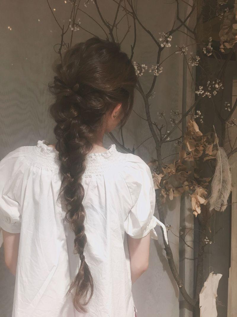 【編み込み】で今っぽヘアのできあがり♡簡単なやり方を徹底解説