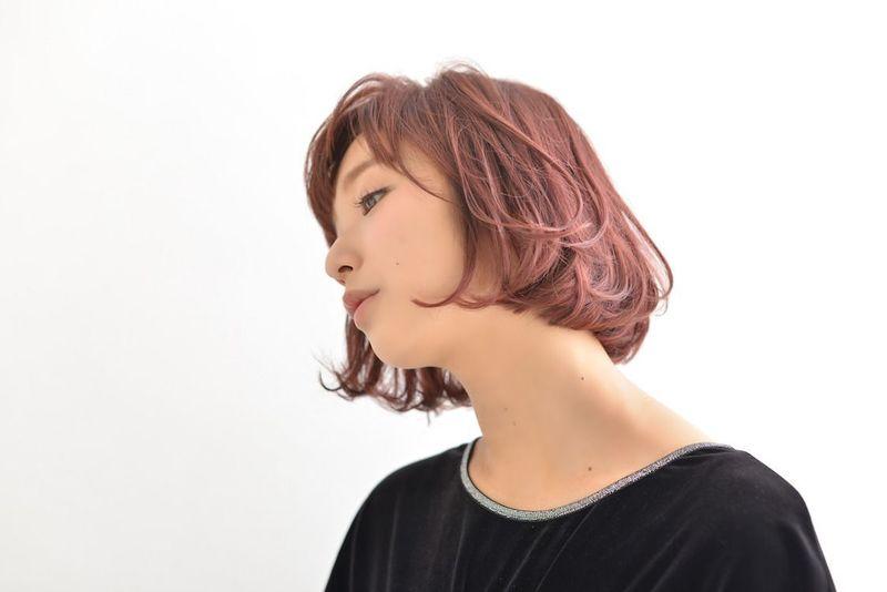 【ピンクベージュ】でブリーチなしでも旬な髪色に!ヘアカラー特集