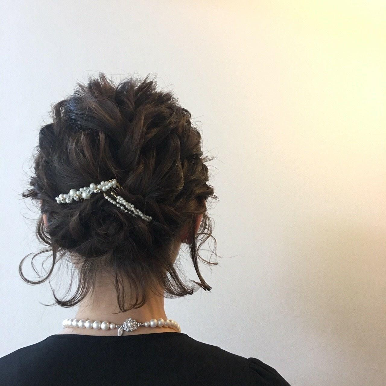 ショートの結婚式ヘアアレンジ特集 お呼ばれヘアで華やかにセット