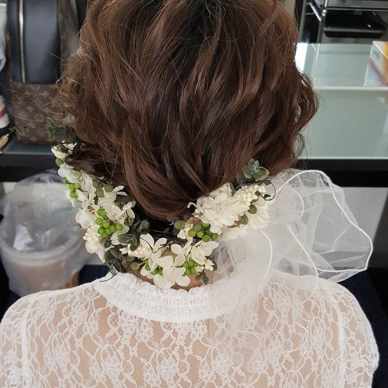 【結婚式】イマドキの花嫁に♡ウェディングドレスに似合う髪型って?