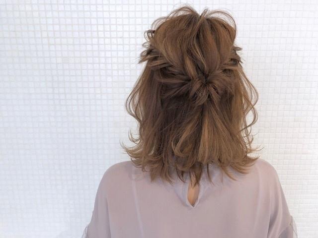 kawamura_takashi_cam ヘアアレンジ&ヘアセット トップをフィッシュボーンで編み込んだ簡単ハーフアップ 河村タカシ #hairarrangecam #hairarrange #hairset #hair #ヘアアレンジ #へアセット #ヘア #関西 #大阪 #心斎橋 #hairdresser #美容師 #サロンモデル募集 #サロモ #おくれ毛 #簡単ヘアアレンジ #ハーフアップ #フィッシュボーン 大阪市中央区心斎橋筋1-1-5永恒ビル4F hair&makeTAXI 0662454505