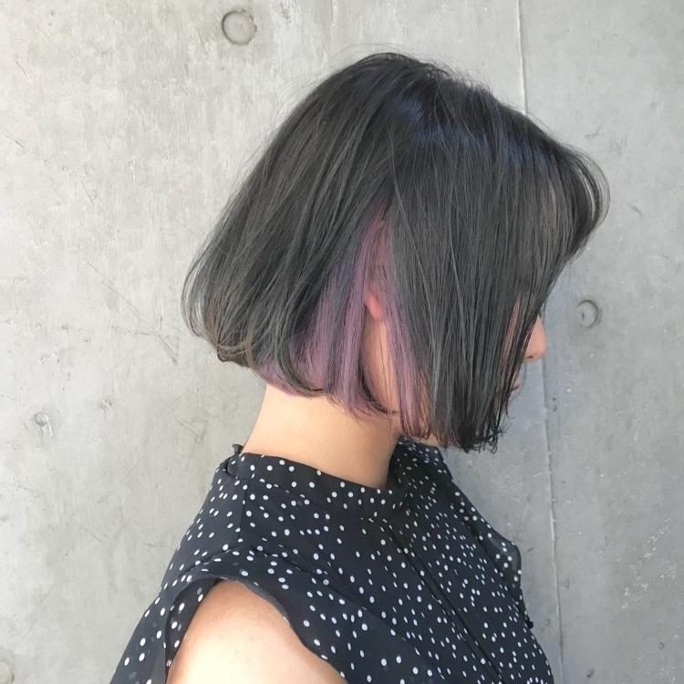 . . . インナーカラーのラベンダーが可愛いラフボブ* . . . 🔸ご新規の方 🔸サロンどこがいいか迷ってる方 🔸いつも思い通りにならない方 . . . 沢山の方に満足していただけるよう日々腕を磨いております🔥 . 大事な髪を担当させて頂くので、技術と責任を持ってヘアを作らせていただければと思います🙇🏼 . . . より皆様に質のいいカラーを提案したい...ので! 平日の午前中に先着1名様限定でカラーモデル募集してますので興味のある方は是非DMにてご連絡下さい* . . . ○お洒落なカラーにしたい方 . ○柔らかいスタイルにしたい方 . 是非一度 @dobsk_t まで💁 料金や自分のやりたいメニューがどう予約すればいいかわからない方などお気軽にDMやコメントなどでお問い合わせ下さい* . . . 「透明感あるカラー」「柔らかいスタイリング」 が得意です✂️ 必ず満足させます . 皆様のご来店楽しみにお待ちしております . . . #コンテスト #透明感カラー #デザインカラー #イルミナカラー #ダブルカラー #ヘアアレンジ動画 #ショートボブ #ショート #メイク #ヘア #ヘアカタログ #動画 #巻き髪 #髪切りたい #ラフカール #カラーモデル募集 #スタイリング動画 #コスメ #広尾 #広尾サロン #恵比寿 #恵比寿サロン #美容室 #ドバシケイタ . . .