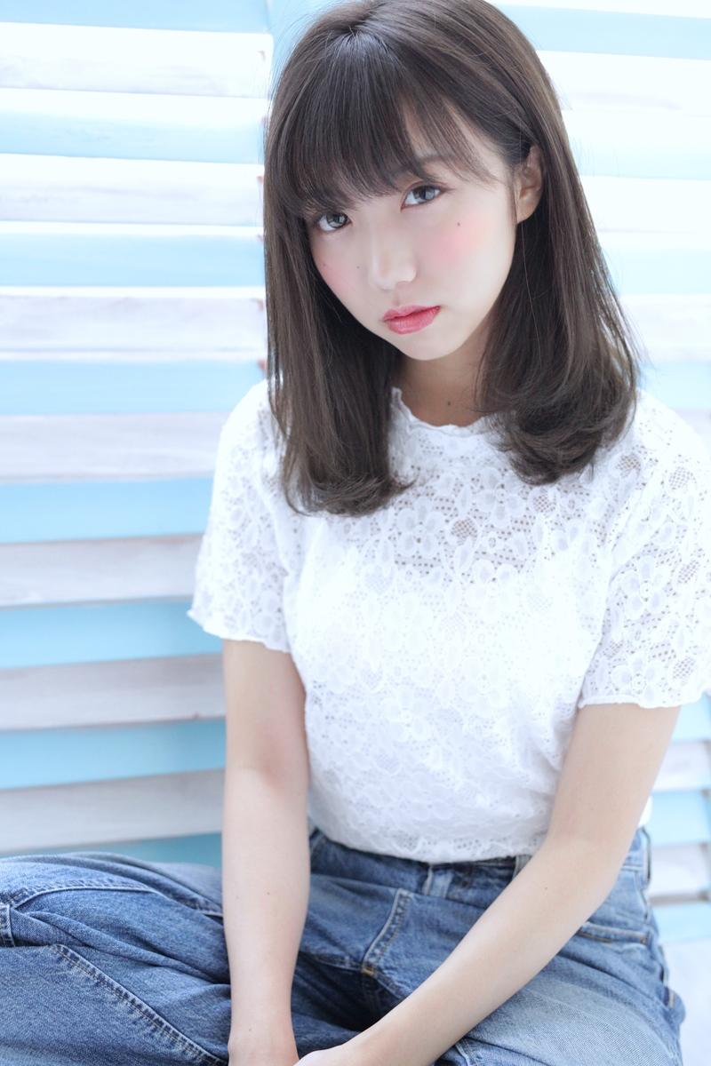 ミディアム丈は耳かけスタイルで楽しむ♡おすすめヘアスタイル10選