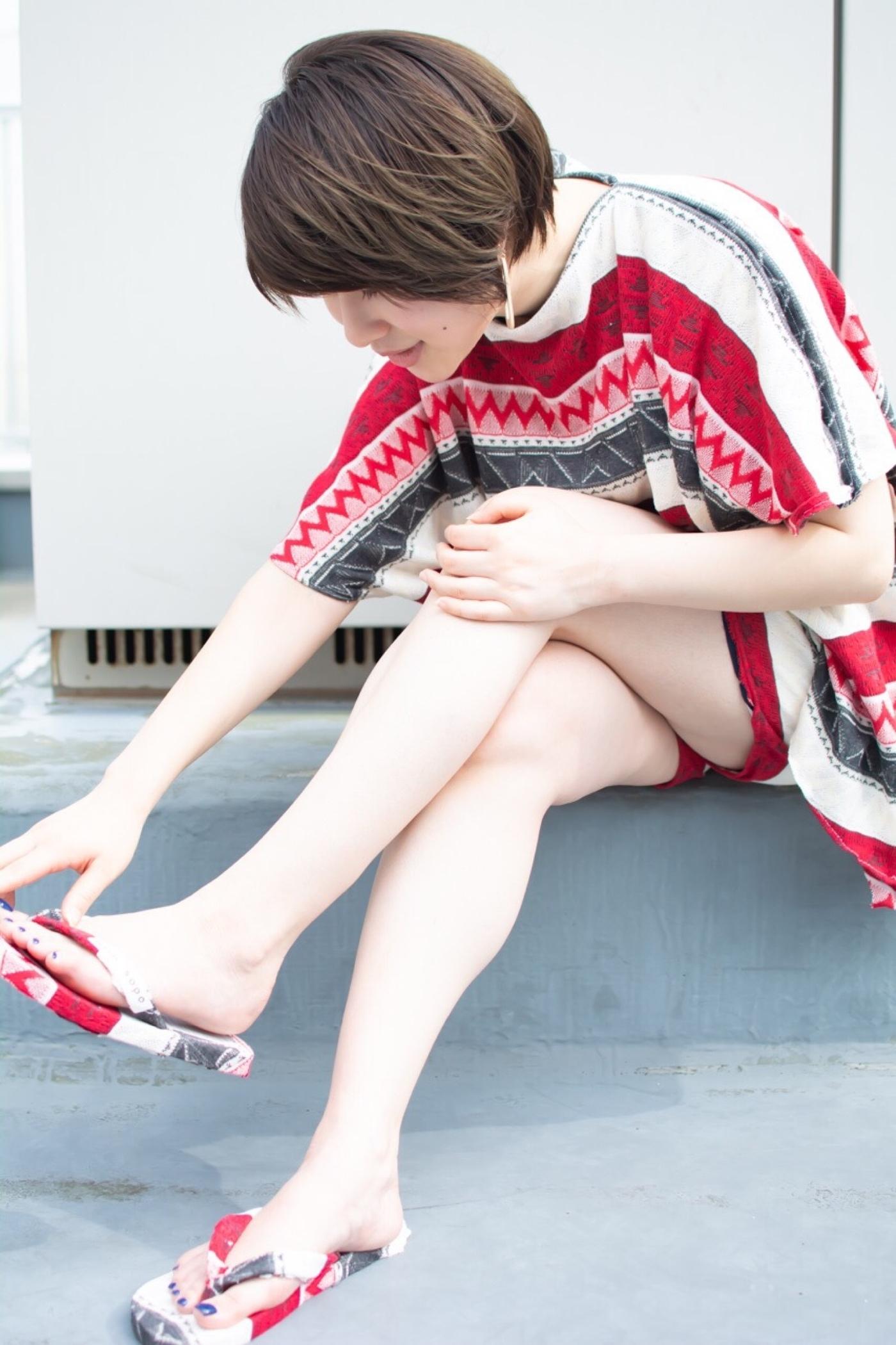 noine スタイリスト斉藤です。 屋上で、撮影ー!! HUEカラーで、カラーしました。 「ピアス」「服」「サンダル」作りました。 #女っぽ#ピアス#オークル#カラー #オフィス #ナチュラル #ミディアム #女子会#大人かわいい #ショートボブ #ブラウン #うざバング #コンテスト #丸顔#ショート#HUEカラー#ヒューグロス
