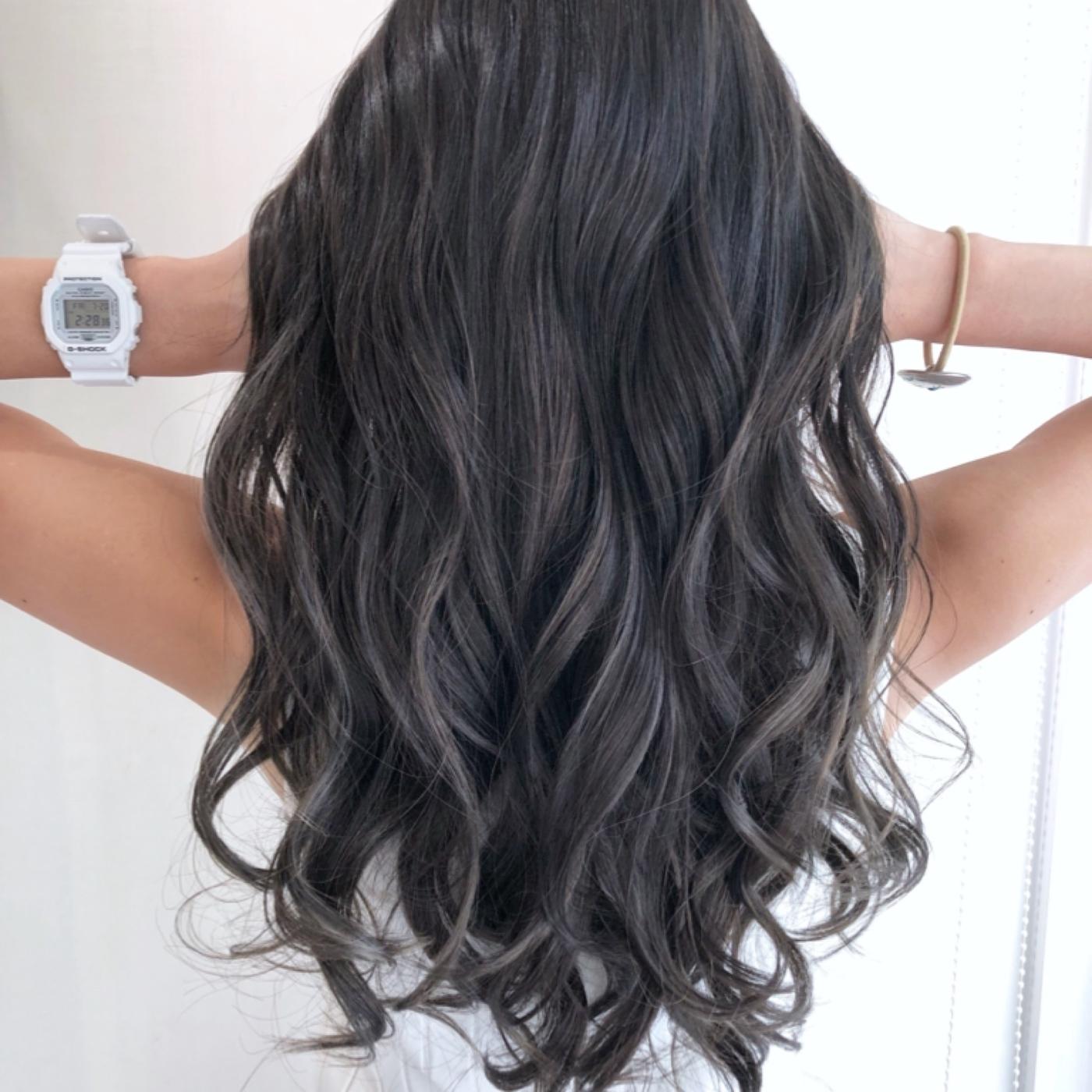 2018秋ヘアカラーでかわいい髪色,5.ダークグレージュ