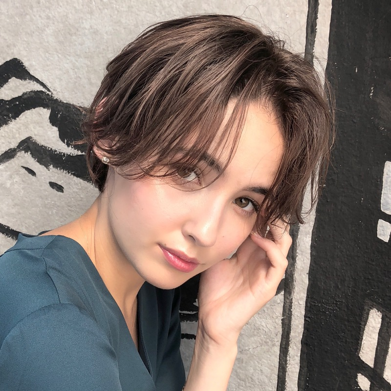 【前髪なし】のショートボブスタイルで大人女性にイメージチェンジ♡