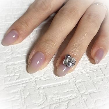 ✧ シンプルワンカラーに3Dストーン⋆*❁*⋆ฺ。* ✧ アートをしなくてもこれだけで華やか︎♥︎ ✧ #nail #nails #instanail #instanails #lovenails #cutenails #gelnails #gelnail #nailsdesign #nailfashion #ネイル #ネイルデザイン  #ネイルスタグラム #ネイルアート #ジェルネイル #インスタネイル #大人ネイル #埼玉ネイル #上尾ネイル #上尾ネイルサロン #ワンカラーネイル #3Dストーン #DOUBLE180 #arine_nail