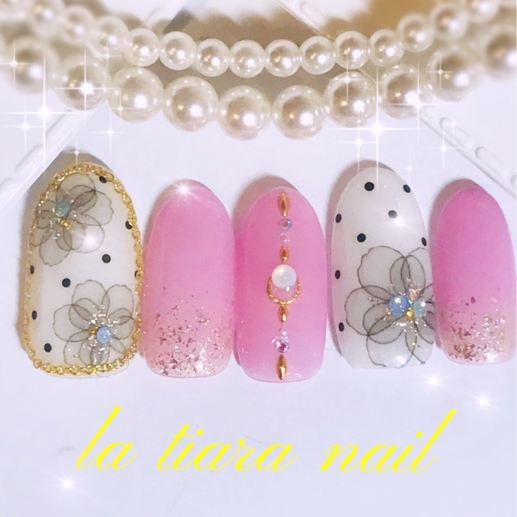 La tiara nail 【ラ♡ティアラ】が投稿した画像