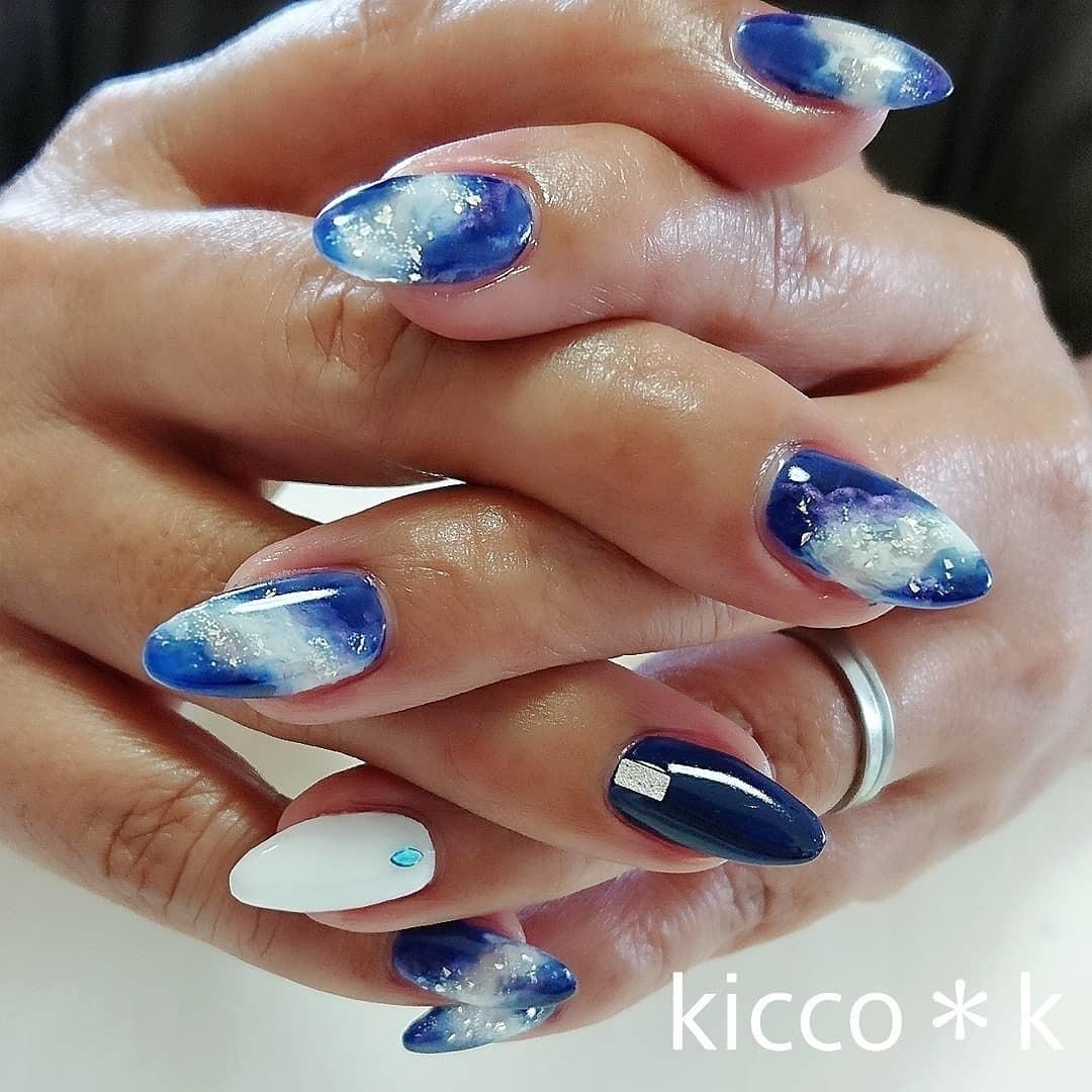 #ギャラクシーネイル とのオーダー 夏らしさを添えて✨  #galaxynails  #blue #white #purple  #summernails #青 #白 #紫 #ラメ #nail #nails #nailist #nailsalon #instanails #nailswag #nailstagram #nailart #naildesign #ネイル #ネイルデザイン #大人ネイル #ネイルサロン #自宅サロン #kicco_k