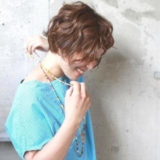 くせ毛風パーマでやわらかショート♡カールが決め手のアンニュイヘア